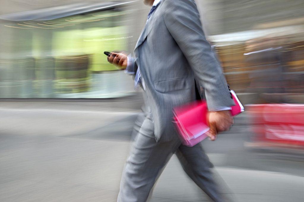 Career & Live, altijd druk met de smartphone